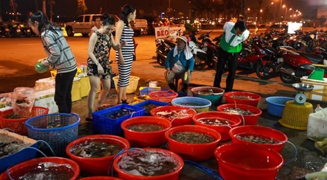 Nước biển chợ Hải sản